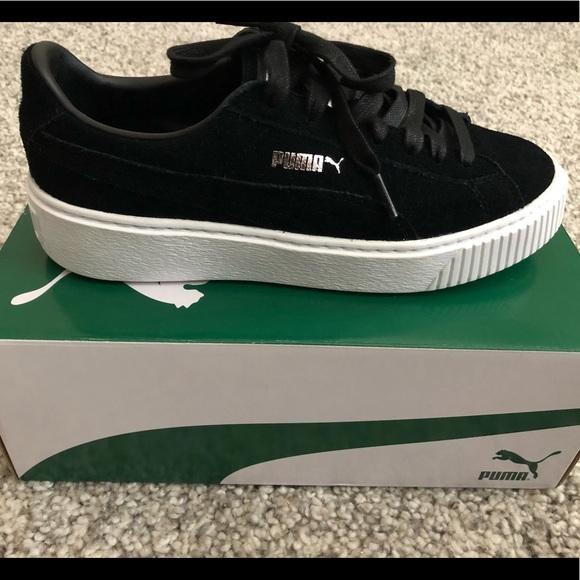 PUMA Suede Platform Black White Sneaker. M 5b97307a534ef941b6d7bc9f f7ee29af4